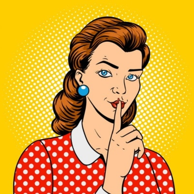 Frau hat ein Geheimnis und halt den Finger vor dem Mund