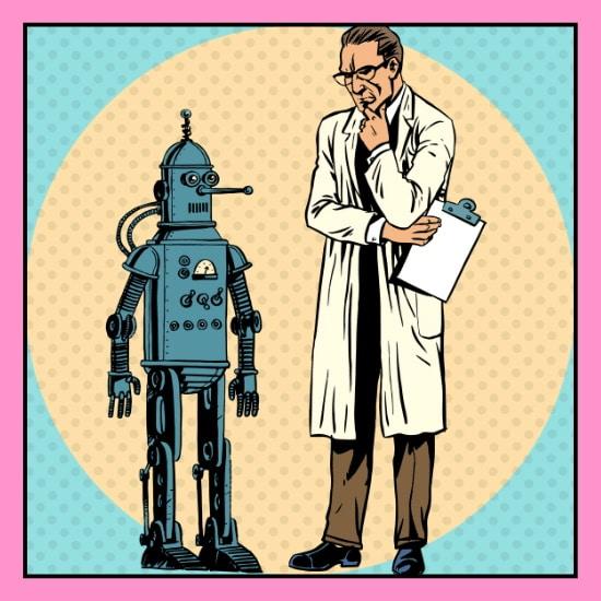 Ein Wissenschaftler betrachtet einen Roboter